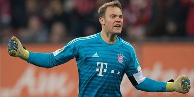 Liverpool Vs Bayern Muenchen - Manuel Neuer Antusias Main di Anfield