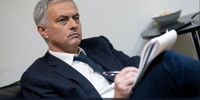 Sindir Klopp dan Pochettino, Mourinho: Main Bagus Tanpa Gelar Buat Apa?