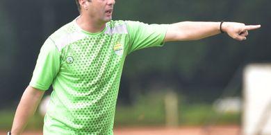 Pelatih Persib Fokuskan Perhatian ke Satu Pemain yang Dicoret Timnas U-23 Indonesia