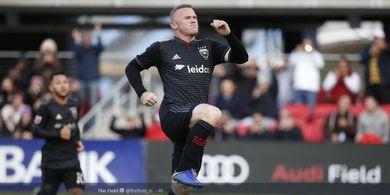 VIDEO - Tendangan Jarak Jauh Wayne Rooney Bikin Kiper Jatuh Terkapar
