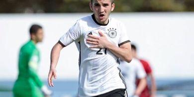 Dua Tim Papan Tengah Liga Inggris Berebut Calon Titisan Mesut Oezil
