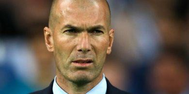 Zinedine Zidane Gagal Jadi Pelatih Terbaik Real Madrid Musim Ini