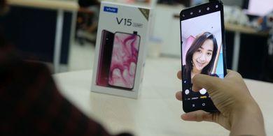 Vivo V15 - Abadikan Persaudaraan dengan Pop Up Camera 32MP