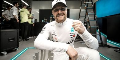 Kalah Start dari Lewis Hamilton, Valtteri Bottas Akui Menyesal