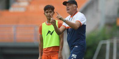 Mario Gomez Yakini Borneo FC Tumbangkan Madura United di Kandang