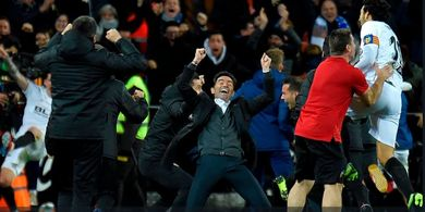 Jalan Panjang Pelatih Valencia Hadirkan Trofi Juara Copa del Rey