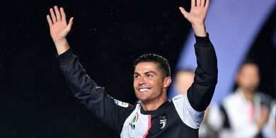 Ronaldo Ingin Anaknya Sadar Kesuksesan Tak Datang dari Langit