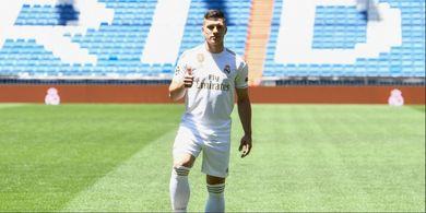 Legenda Pelita Jaya, Inspirasi Pemain Real Madrid Ini Jadi Striker