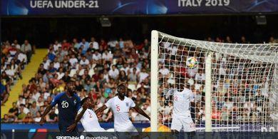 EURO U-21 2019 - Blunder Calon Bek Rp1 Triliun Man United Bikin Inggris Kalah