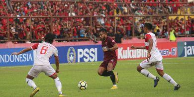 Penalti Aleksandar Rakic Bawa Madura United Ungguli PSM Makassar