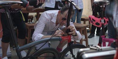 Sunday Ride, Asyiknya Bersepeda bareng CEO Brompton Buttler Adams
