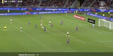 VIDEO - Gol Tendangan Roket Gelandang 18 Tahun Pastikan Man United Menang