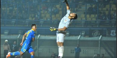 Febri Hariyadi Persembahkan Dua Golnya ke Gawang Kalteng Putra untuk Sosok Ini