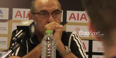 Muak Ditanya soal Merokok, Maurizio Sarri: Saya Sudah Berhenti