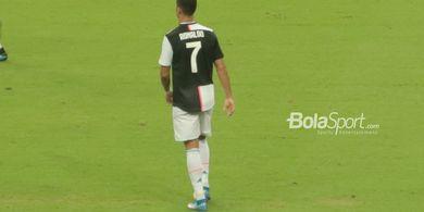 Cristiano Menggila, Ingin Timpuk Petugas Keamanan Saat Seorang Fans Masuk Lapangan