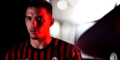 Man City Tawar Gelandang AC Milan Buangan dari Arsenal Rp789 Miliar