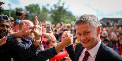 Cara Solskjaer Latih Man United, Ikutkan Pasangan Pemain untuk Berlatih
