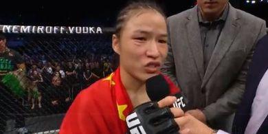 Kehilangan Titelnya di UFC 261, Zhang Weili Salahkan Penonton