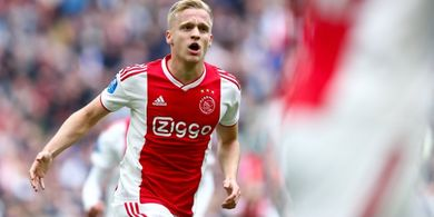 Kalau Tidak Ada COVID-19, Van de Beek Mungkin Sudah Pergi dari Ajax