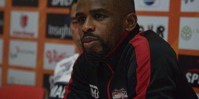 Perginya Greg Nwokolo dari Madura United Dinilai Tak Beri Keuntungan untuk Persib