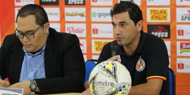 Pelatih Semen Padang Berharap Dukungan Suporter Buat Timnya Kuat