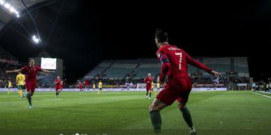 VIDEO - Cristiano Ronaldo Cetak Gol Spektakuler untuk Portugal, Pisang dan Keras