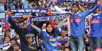 Bahagianya Pemain Anyar Arema FC Dapatkan Doa dari Aremania di Hari Ulang Tahun