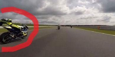 Parah! Pembalap ini Mendekati Maut Saat Pingsan di Atas Motor