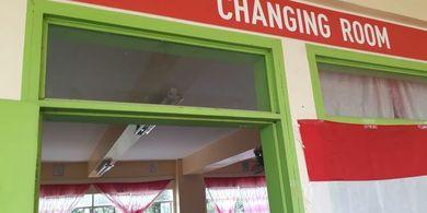 Arena Timnas U-22 Indonesia vs Laos di Lingkungan Sekolah, Ruang Ganti Pakai Kelas