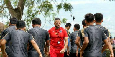 Arema FC Adakan Pemusatan Latihan di Kota Batu untuk Tingkatkan Fisik Pemain