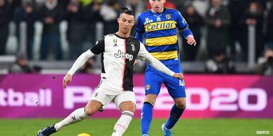VIDEO - Cristiano Ronaldo Cetak Gol untuk Juventus Usai Gebok Bek Gagal Man United