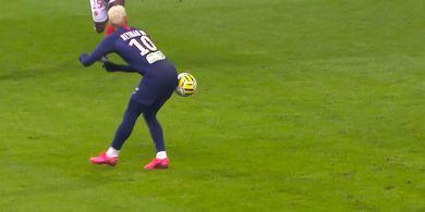 Video Operan Bokong Neymar yang Menghentak Dunia Sepak bola!