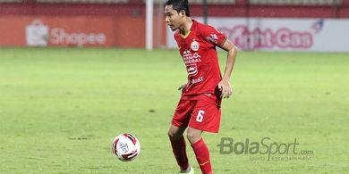Latihan di Lapangan Dekat Rumah, Evan Dimas Ditemani Pemain Madura United