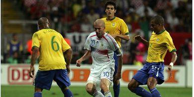 MOMEN JUARA, Zinedine Zidane Lebih Brasil dari Pemain Brasil