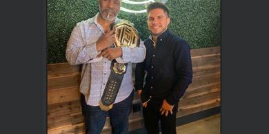 Usai Pensiun dari UFC, Henry Cejudo Kini Ingin Lawan Juara Tinju Kelas Ringan WBC
