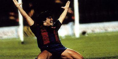 Kisah Diego Maradona Bagikan Ilmu kepada Pesepak Bola Muda Surabaya