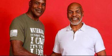 Alasan Evander Holyfield Enggan Balas Mike Tyson yang Gigit Telinganya