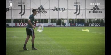 Ada yang Beda, Cristiano Ronaldo Gunakan Perlengkapan Rugbi saat Latihan