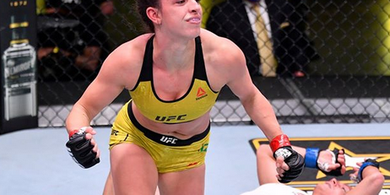 UFC Fight Night - Sejarah Baru Pertarungan Wanita Tercipta!