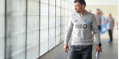 Pelatih FC Porto: Sepak Bola Tanpa Penggemar Ibarat Salad Tanpa Bumbu