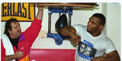 Mike Tyson Buat Pengakuan soal Penurunan Berat Badan Jelang Hadapi Roy Jones Jr