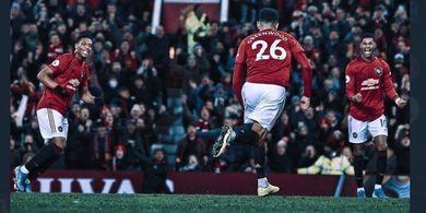 VIDEO - 2 Pemain Leicester City Ternyata Ikut Pantau Hasil Man United