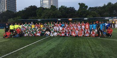 Aksi Donasi untuk Benny Dollo Warnai Laga Reuni Mantan Pemain Timnas Indonesia