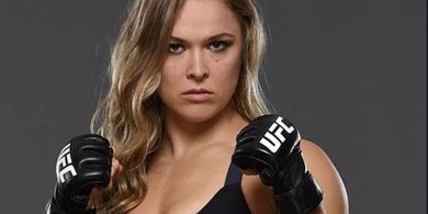 Manny Pacquiao Yakin Legenda Wanita UFC Bisa Habisi Floyd Mayweather