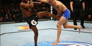 Israel Adesanya Lagi-lagi Sebut Petarung Terbaik UFC Tak Punya Nyali