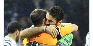 Iker Casillas Umumkan Pensiun, Gianluigi Buffon Kirim Pesan Berkelas