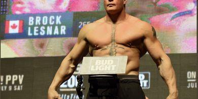 Ketimbang Berduel Kembali, Bos UFC Punya Saran Lain untuk Legenda WWE Brock Lesnar