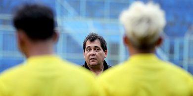 Pelatih Arema FC Punya Cara Jitu Agar Latihan Tidak membosankan