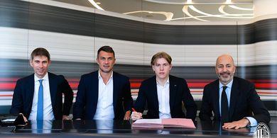 RESMI - AC Milan Datangkan Pemain Muda Bekas Lawan di Liga Europa