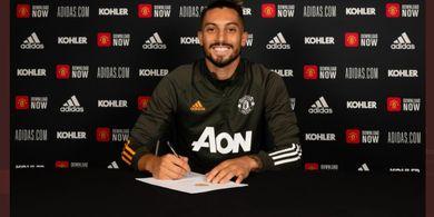 Bek Manchester United Alex Telles Positif Virus Corona